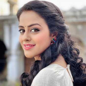 Celebrity Yamini Singh - Tring India
