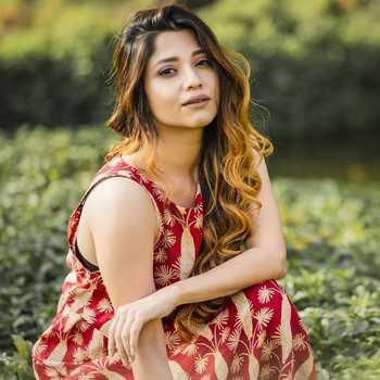 Celebrity Kinjal Rajpriya - Tring India