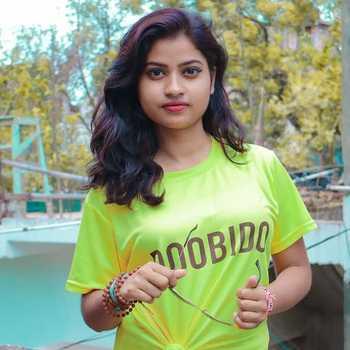 Celebrity Shruti Pandey - Tring India