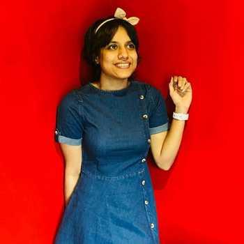 Celebrity Anjali Dhingra - Tring India