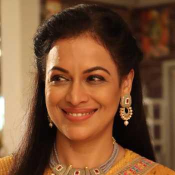 Celebrity Jyoti Gauba - Tring India