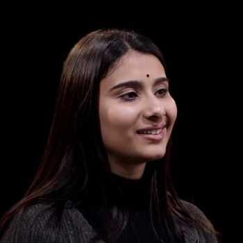 Celebrity Nayab Midha - Tring India