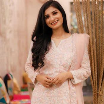 Celebrity Sangita Yaduvanshi - Tring India