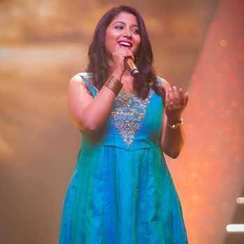 Celebrity Aanandi Joshi - Tring India