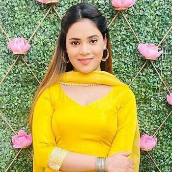 Celebrity Drishti Thakur - Tring India