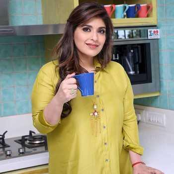 Celebrity Rakhee Vaswani - Tring India