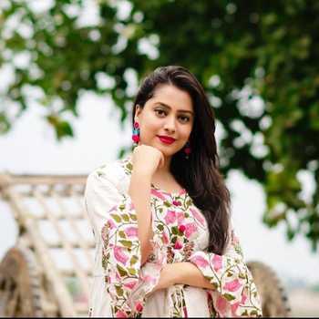 Celebrity Arpita Saha - Tring India