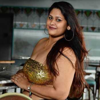 Celebrity Madhura Bhaganagare - Tring India