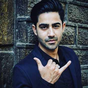 Celebrity Naveen Pandita - Tring India