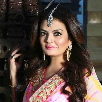 Celebrity Sheeba Akashdeep Sabir - Tring India
