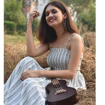 Celebrity Akanksha Sethi - Tring India