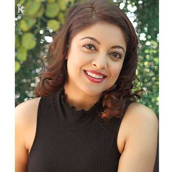 Celebrity Tanushree Dutta - Tring India