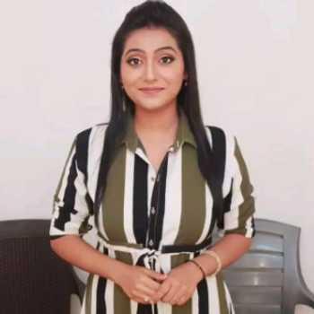 Celebrity Bhakti Chauhan - Tring India