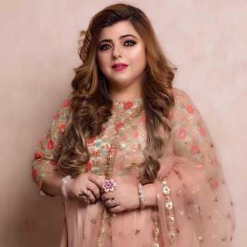 Celebrity Delnaaz Irani - Tring India