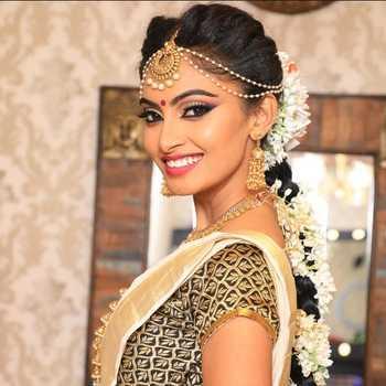 Celebrity Shama Taj - Tring India