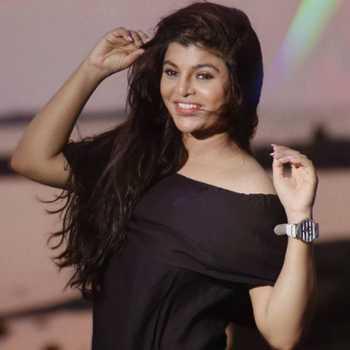 Celebrity Saee Barve - Tring India