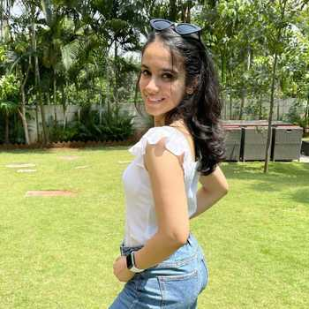 Celebrity Sakshi Kirpalani - Tring India