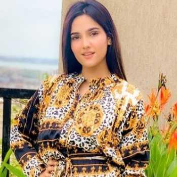 Celebrity Riya Thakur - Tring India
