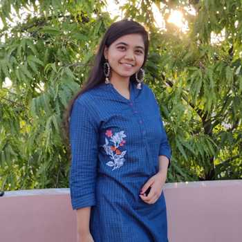 Celebrity Ishika Tayal - Tring India