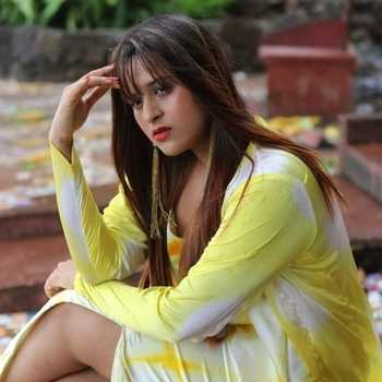 Celebrity Chinky Jaiswal - Tring India