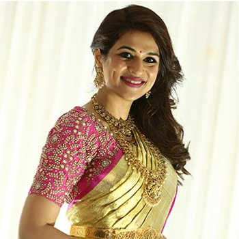 Celebrity Shraddha Das - Tring India