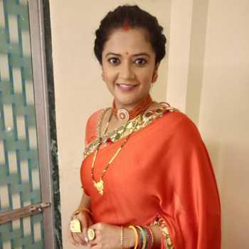 Celebrity Akshaya Bhingarde - Tring India