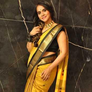 Celebrity Manjiri Oak - Tring India