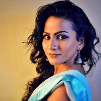 Celebrity Suvedha Desai - Tring India