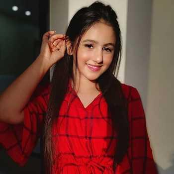 Celebrity Prapti Shukla - Tring India