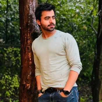 Celebrity Hitesh Makhija - Tring India