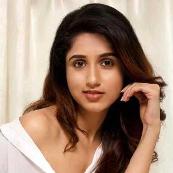 Celebrity Milloni Kapadia - Tring India