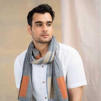 Celebrity Sumit Singh - Tring India
