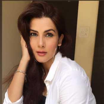 Celebrity Vivana Singh - Tring India