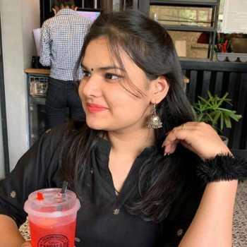 Celebrity Niharika Gupta - Tring India