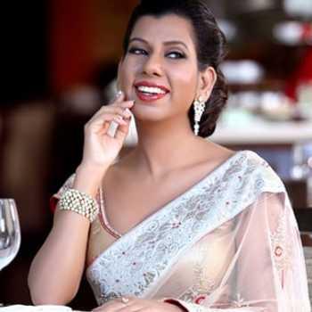 Celebrity Shefali Saxena - Tring India