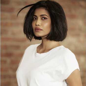 Celebrity Reena Barot - Tring India