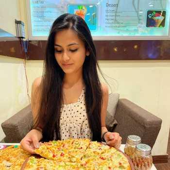 Celebrity Shubhi Jindal - Tring India
