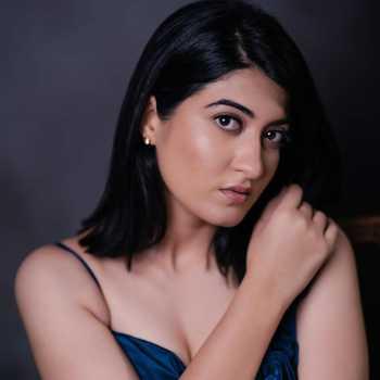 Celebrity Denisha Ghumra - Tring India