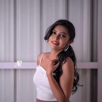 Celebrity Ankita Nikrad - Tring India