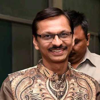 Celebrity Shyam Pathak - Tring India