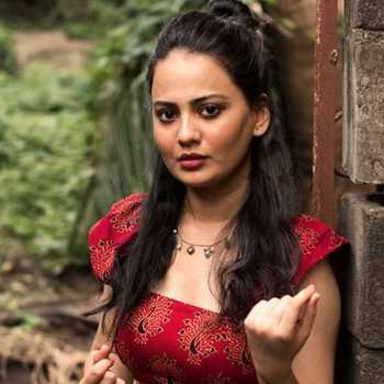 Celebrity Rujuta  Dharap - Tring India