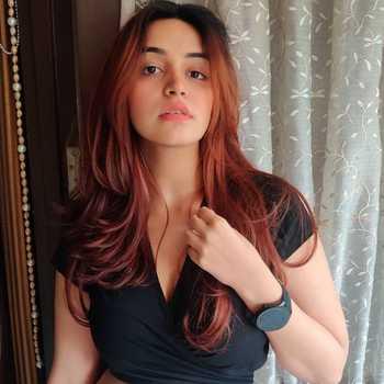 Celebrity Sunakshi Grover - Tring India