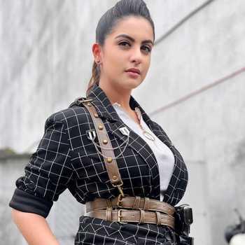Celebrity Tunisha Sharma - Tring India