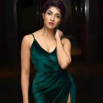 Celebrity Iti Acharya - Tring India