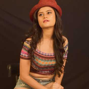 Celebrity Falguni Sharma - Tring India