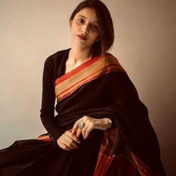 Celebrity Anushka Junnarkar - Tring India