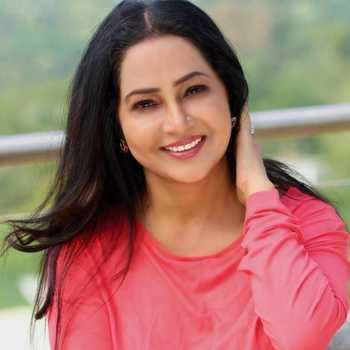 Celebrity Shubhangi Sanjeev Latkar - Tring India