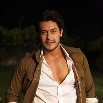 Celebrity Saurav Chakrabarti - Tring India