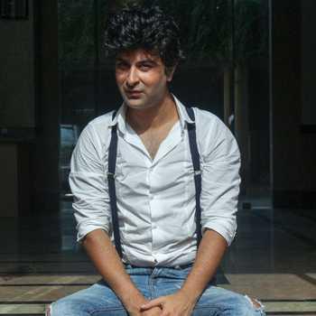 Celebrity Ashu Sharma - Tring India