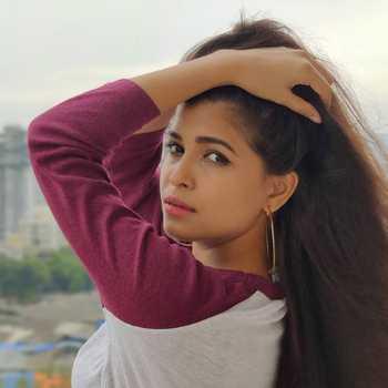 Celebrity Saayalli Jaadhav - Tring India